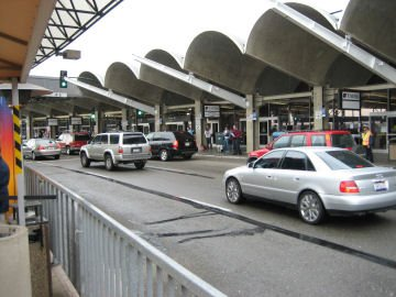 oakland-airport-shuttle-pickup